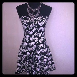 Rare Skull 💀 Crossbones Dress